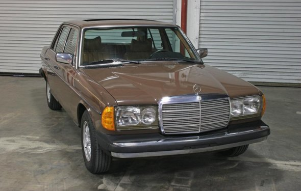 1978 Mercedes Benz 240D Diesel - Hughes Estate Sales