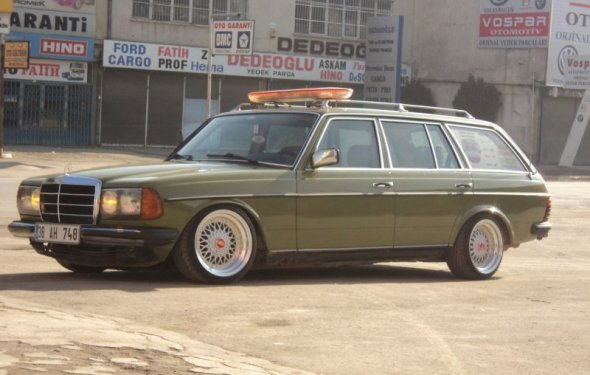 I m totally crushing on old Mercedes diesel wagons right now