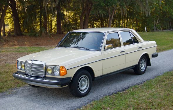 No Reserve: 1982 Mercedes-Benz 300D Turbo | Bring a Trailer
