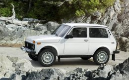 Is the Lada Niva the original crossover? That's debatable, but there's no arguing it's a crudely effective device once the pavement ends.